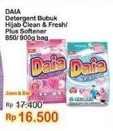 Promo Harga DAIA Deterjen Bubuk Clean Fresh Hijab, + Softener Pink 850 gr - Indomaret