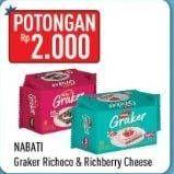 Promo Harga NABATI Graker Graham Crackers Raspberry Cheesecake, Richoco 120 gr - Hypermart